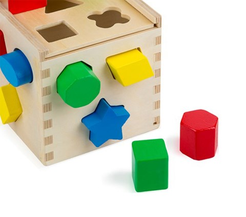 Giving the perfect shape to your cardboard boxes is child's play !