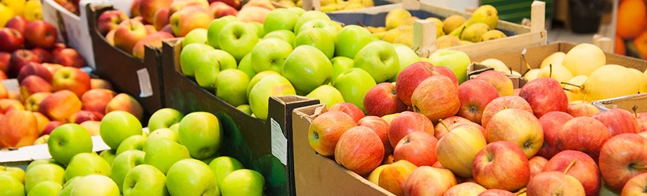 fruits-trays-supermarket.jpg