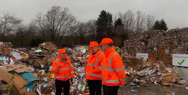 Stuart McDonald MP visits DS Smith's Glasgow recycling depot