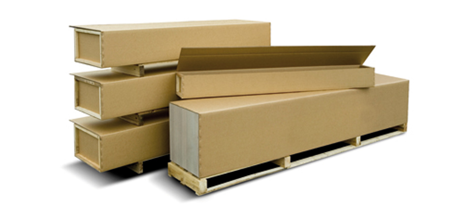Corrugated cardboard packaging combined with wood